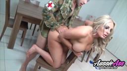 سكس في الجيش ظابط مع رهينة ميلف