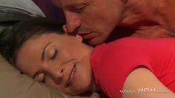 wwwnxx رجل ينيك زوجته بعظمة اثناء الصباح