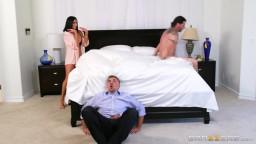 موقع اباحي تغفل زوجها  وتخونه خلف ظهره