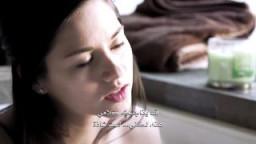 سحاقية سكسي مثيرة تعترف بحبها لصديقتها وهى عارية تستحم