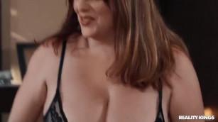 ستات عريانة يمارسا الجنس سحاقية مع الخادمة