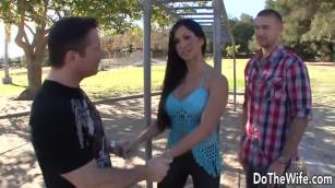 wwwxnx ديوث يترك زوجته تتناك امامه