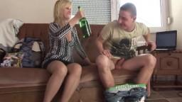 الافلام سكس امه تسكر بيره وتمارس الجنس معه